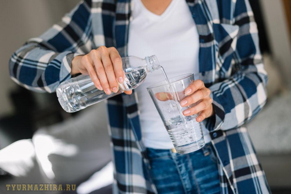 Какое количество воды следует выпивать на водной диете?